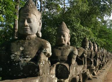 Cambogia: Phnom Penh,  Battambang e Siem Reap