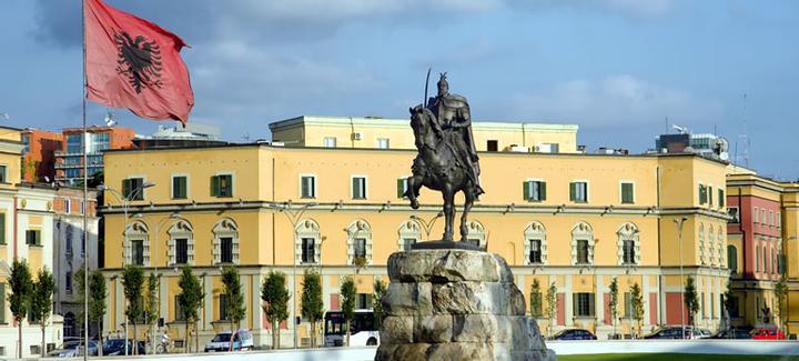 Voli economici da Milano - Malpensa a Tirana
