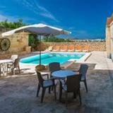 Ta Martinu - 4 Br Villa With Private Pool