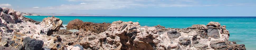 l'isola dal cielo sereno e dalla spiaggia paradisiaca