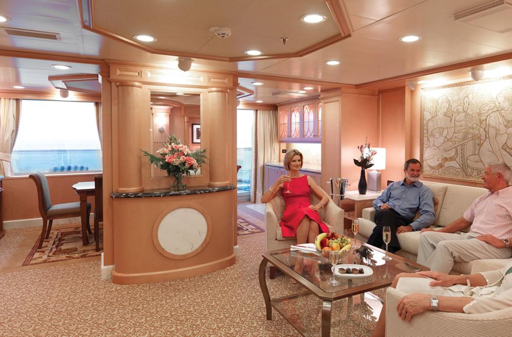Ponte deck 7 della nave queen elizabeth cunard for Planimetrie della master suite