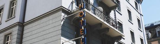 Siamo stati in questo Hotel 4 notti, ha una bella posizione, ha la spa, piscina, terrazzo.