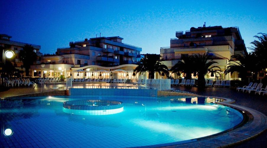 IHR Residence Club Hotel Le Terrazze da € 68