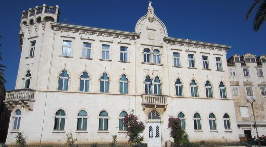 Roma, 10 dic – È iniziato alle prime ore dellalba si questa mattina lo sgombero della fabbrica ex Penicillina, su via Tiburtina a Roma.